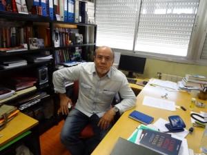 Pode a crescente abstenção vir a pôr a Democracia em risco, no futuro? - sociólogo Elísio Estanque