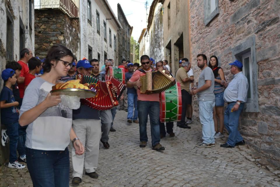 Isna festa 2005 (c) amigos de isna
