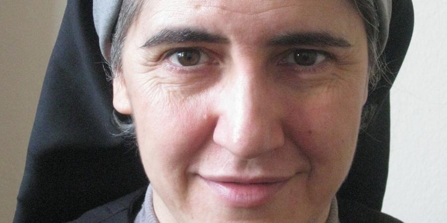Teresa Forcades - médica, teóloga e freira beneditina catalã