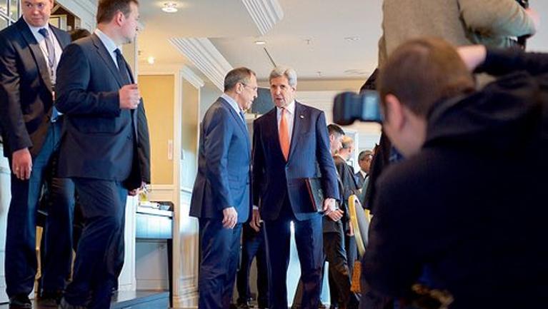 Foto publicada por John Kerry, no Twitter,depois do encontro com Lavrov, em Munique