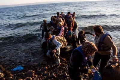 Os migrantes provenientes da Turquia continuam a chegar à Grécia enquanto a UE concede previlégios a Ancara