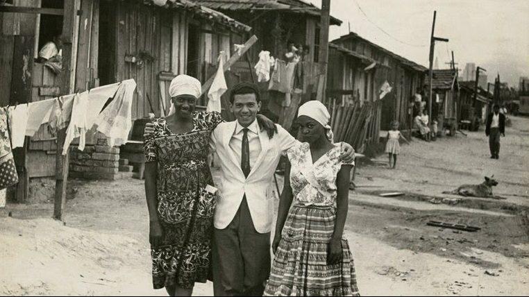 Carolina Maria de Jesus, Audálio Dantas e Ruth de Souza na Favela do Canindé