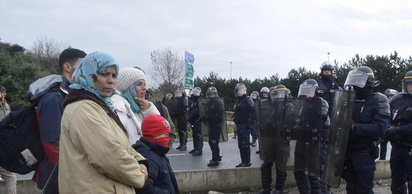 Refugiados de Calais / Polícia
