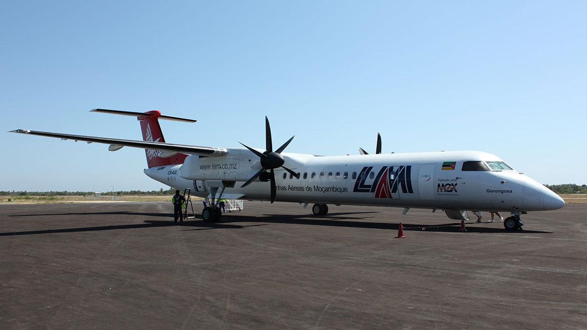 Image result for Linhas Aéreas Moçambique Q400