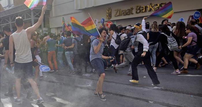 Turquia proibiu actividades LGBT