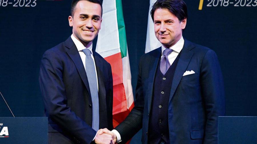 """Últimos passos para uma Itália """"antipolítica"""" governada por xenófobos"""