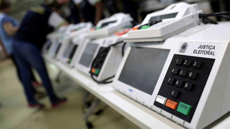 Agências de inteligência estrangeiras manipulam eleição, diz sociólogo