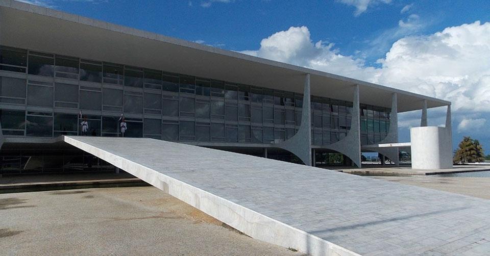 Brasil está à beira de colocar um fascista no Planalto