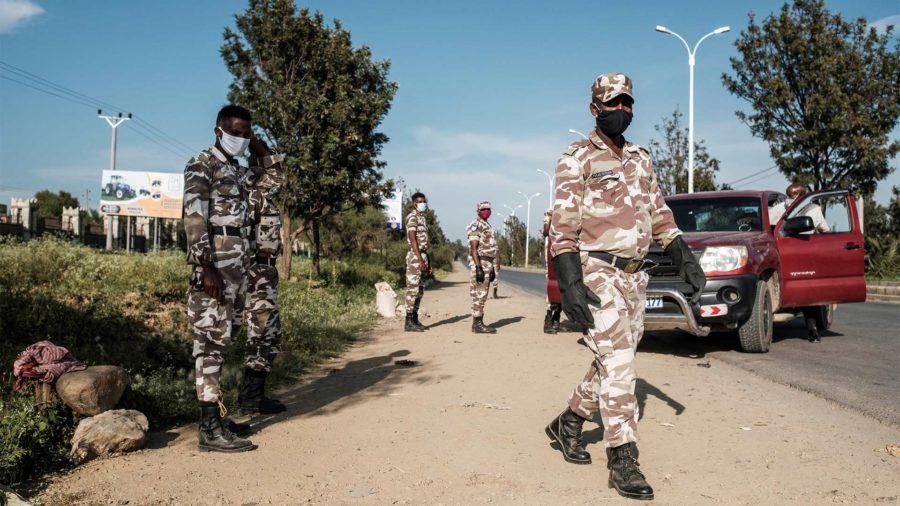 Massacre de centenas de civis de Axum pelas tropas da Eritreia